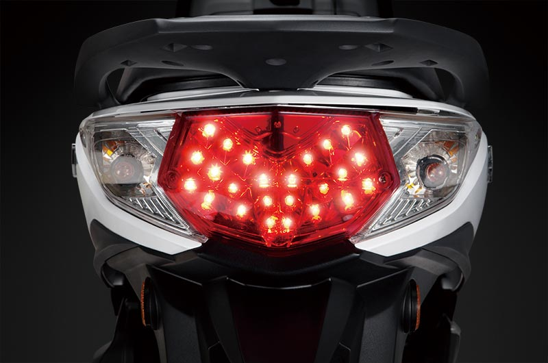 02-tail-light