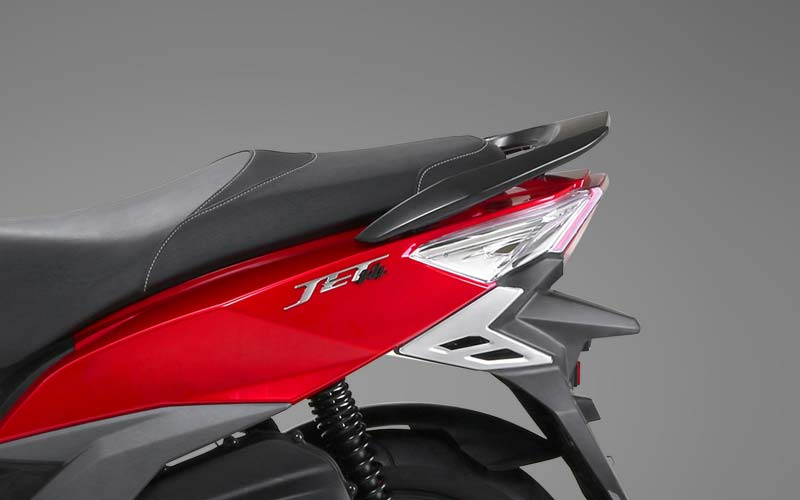 05-Seat--Sport-Style-Body-Design